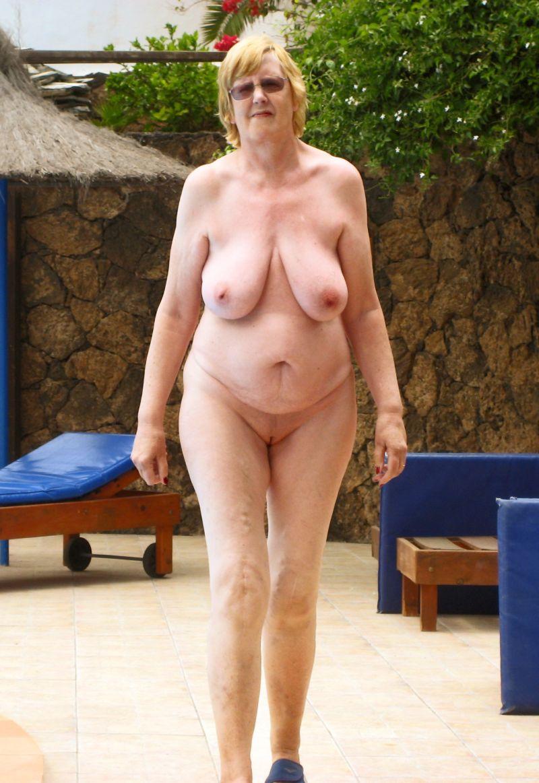 Senior nude hootys
